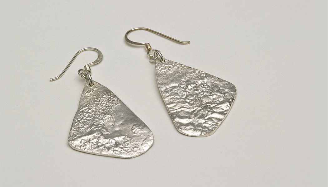 reticulated-silver-drop-earrings