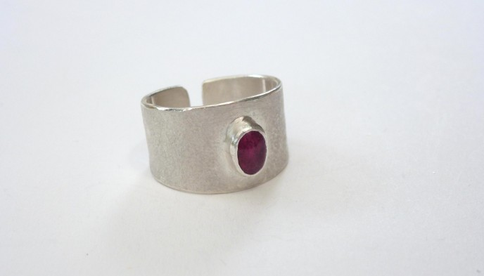 wide band pink tourmaline ring