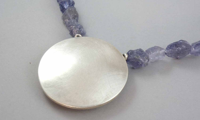 silver-iolite-necklace