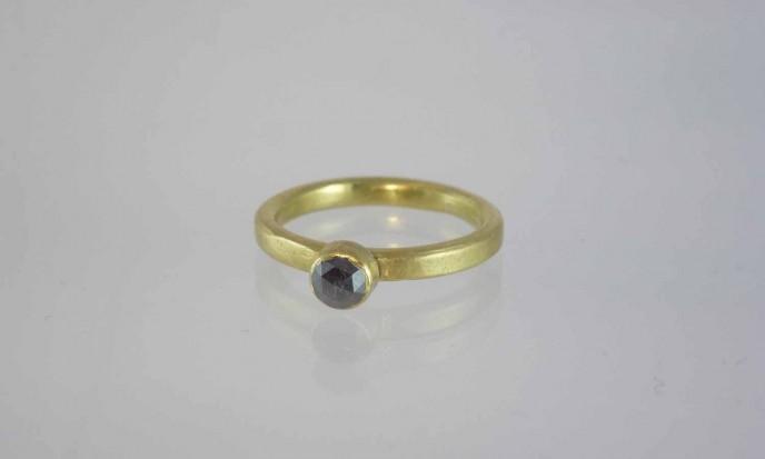 chocolate-diamond-gold-ring