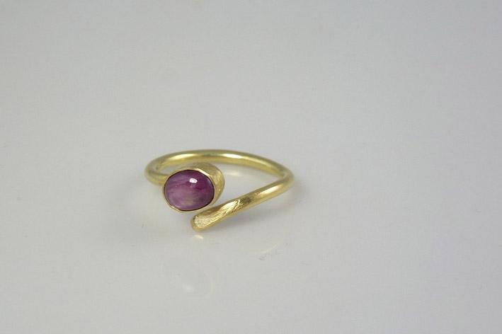 star-ruby-ring