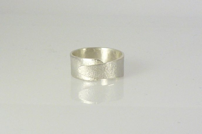 textured silver overlap ring